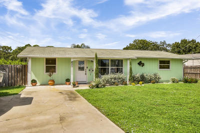Palm City Single Family Home For Sale: 1470 SW Covered Bridge Drive