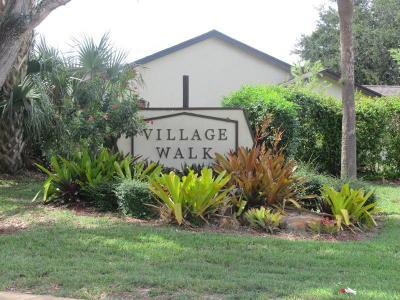 Royal Palm Beach Townhouse For Sale: 107 Village Walk Drive