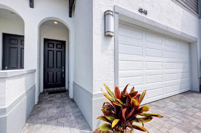 Palm Beach Gardens Townhouse For Sale: 4845 Pointe Midtown Road