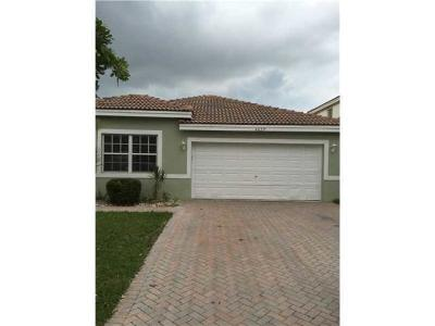 Coconut Creek Single Family Home For Sale: 4039 Crescent Creek Court