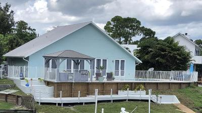 Martin County Single Family Home For Sale: 1372 SW Evergreen Lane