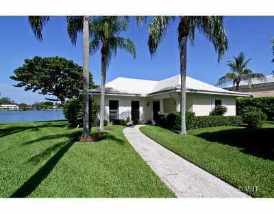 North Palm Beach Condo For Sale: 11647 Lost Tree Way #Cottage