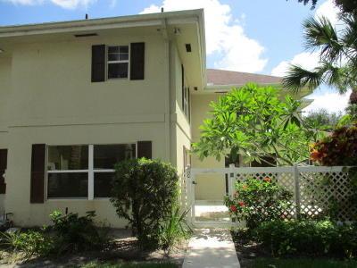 Royal Palm Beach Townhouse For Sale: 33 Clinton Court #C