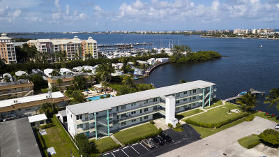Lantana Condo For Sale: 219 Lakeview Avenue #206