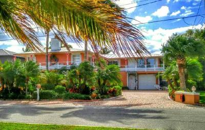 Hutchinson Island Single Family Home For Sale: 1807 Melaleuca Drive