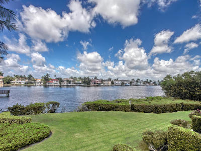 Highland Beach Townhouse For Sale: 3598 S Ocean Boulevard #102
