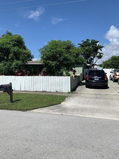 Lantana Single Family Home For Sale: 1027 S 14 Court