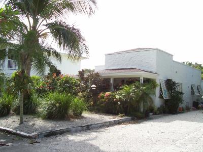 Hobe Sound Single Family Home For Sale: 8936 SE Mars Street