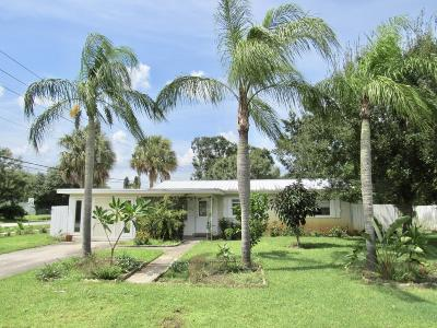 Palm City Single Family Home For Sale: 815 SW All American Boulevard