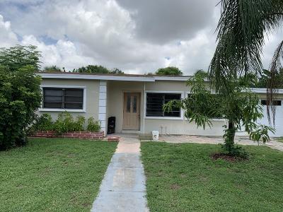 boynton beach Single Family Home For Sale: 2511 NE 4th Street
