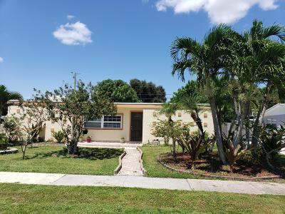 Royal Palm Beach Single Family Home Contingent: 11685 Dahlia Drive