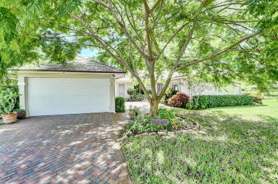 Boynton Beach Single Family Home For Sale: 2 Garden Drive