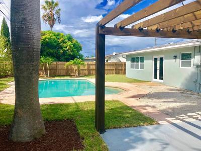 Deerfield Single Family Home For Sale: 317 SE 3rd Terrace