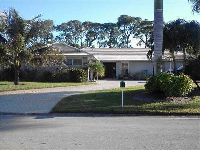 Atlantis Single Family Home For Sale: 474 S Country Club Drive