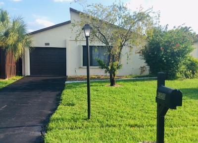Boynton Beach Single Family Home For Sale: 5350 Mirror Lakes Boulevard