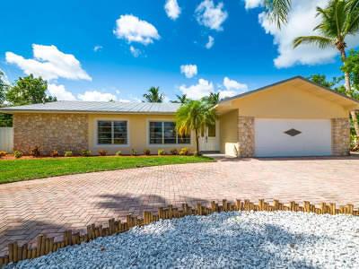 Tequesta Single Family Home For Sale: 9366 SE River Terrace