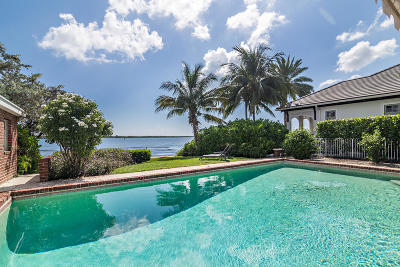 North Palm Beach Single Family Home For Sale: 866 Lakeside Drive