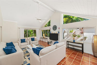 Palm Beach Single Family Home For Sale: 217 Debra Lane