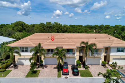 Palm Beach Gardens Townhouse For Sale: 7217 Oxford Court