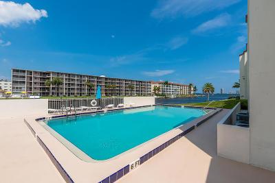 North Palm Beach Condo For Sale: 125 Shore Court