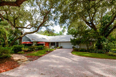 Stuart Single Family Home For Sale: 659 SE Saint Lucie Boulevard