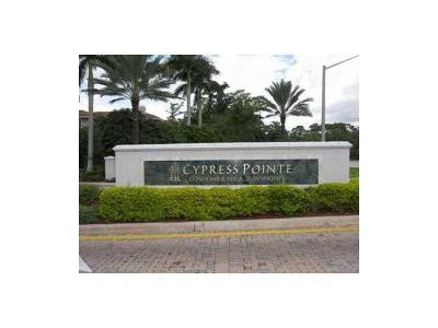 Coral Springs Condo For Sale: 6470 W Sample Road #6470