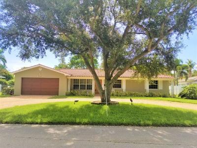 Lake Clarke Shores Single Family Home For Sale: 7122 Pine Tree Lane