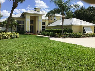 Martin County Single Family Home For Sale: 11700 SW Tangerine Court
