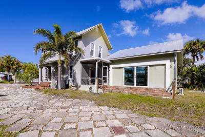 Jensen Beach Single Family Home For Sale: 109 Riverview Dr. Drive