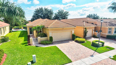 Delray Beach Single Family Home For Sale: 7221 Cataluna Circle E