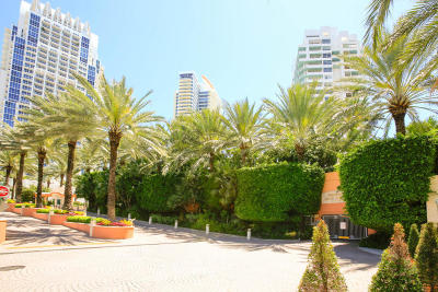 Miami Beach Condo For Sale: 400 S Pointe Drive #303 & 30