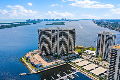 North Palm Beach Condo For Sale: 100 Lakeshore Drive #1452