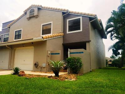 Delray Beach Townhouse For Sale: 5225 Monterey Circle #77