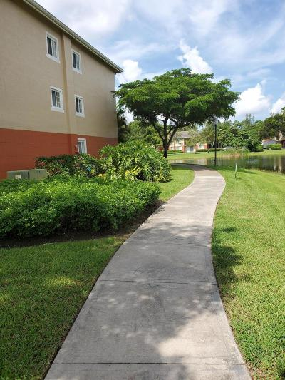 West Palm Beach Condo For Sale: 4159 Haverhill Road #1309