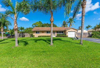 Lake Worth Single Family Home For Sale: 4988 Palm Way