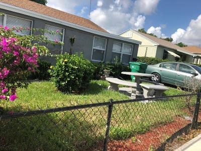 West Palm Beach Multi Family Home For Sale: 717 W 4th Street