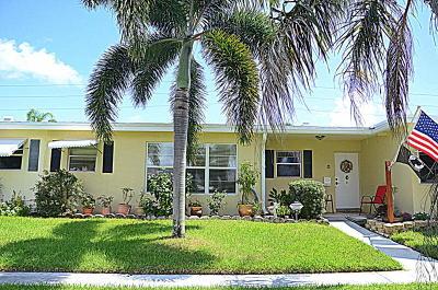 boynton beach Single Family Home For Sale: 100 Pine Point Drive #C