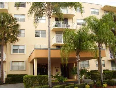 West Palm Beach Condo For Sale: 470 Executive Center Drive #5h