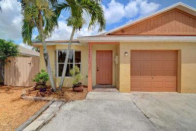 Boynton Beach Single Family Home For Sale: 10424 Boynton Place Circle