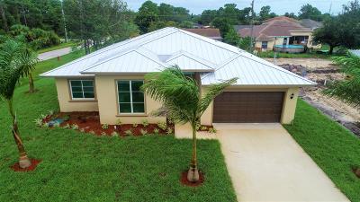 Port Saint Lucie Single Family Home For Sale: 3192 SW Hickenlooper Street