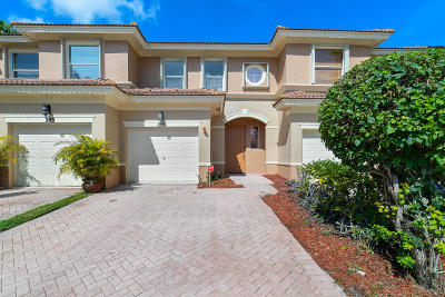 Royal Palm Beach Townhouse For Sale: 205 River Bluff Lane