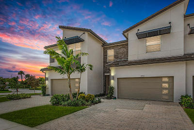 Lake Worth Townhouse For Sale: 8952 Kingsmoor Way
