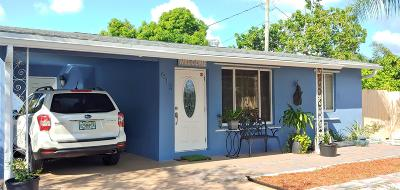 West Palm Beach Single Family Home For Sale: 913 Avon Road