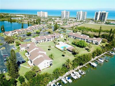 Hutchinson Island Condo For Sale: 3210 S Lakeview Circle #3105
