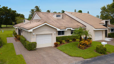 Lake Worth Single Family Home For Sale: 6813 Fountains Circle