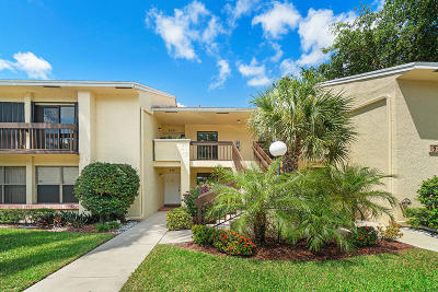 Delray Beach Condo For Sale: 5153 Oak Hill Lane #525