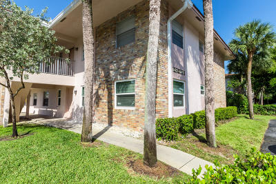 Coral Springs Condo For Sale: 8401 Royal Palm Boulevard #8401
