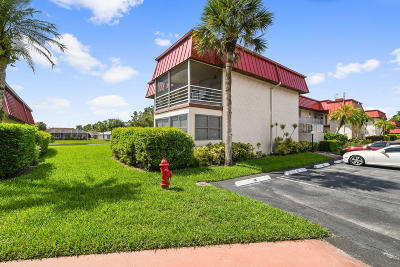 Royal Palm Beach Condo For Sale: 12024 W Greenway Drive #101