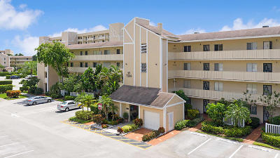 Delray Beach Condo For Sale: 7286 Huntington Lane #101