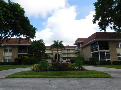Palm Beach Gardens Condo For Sale: 5580 Tamberlane Circle #234